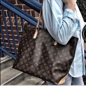 🌺Extra large🌺  Louis Vuitton Zippered tote